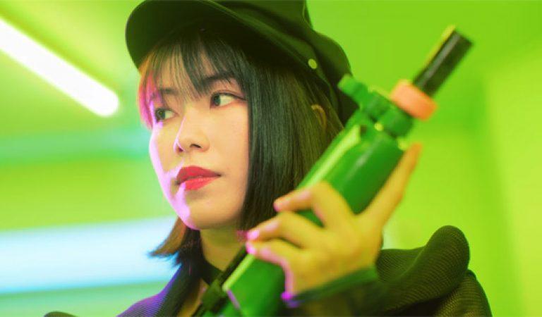 "Yokoyama Yui แสดงใน MV ""Halloween Knight"" ของ XIIX"