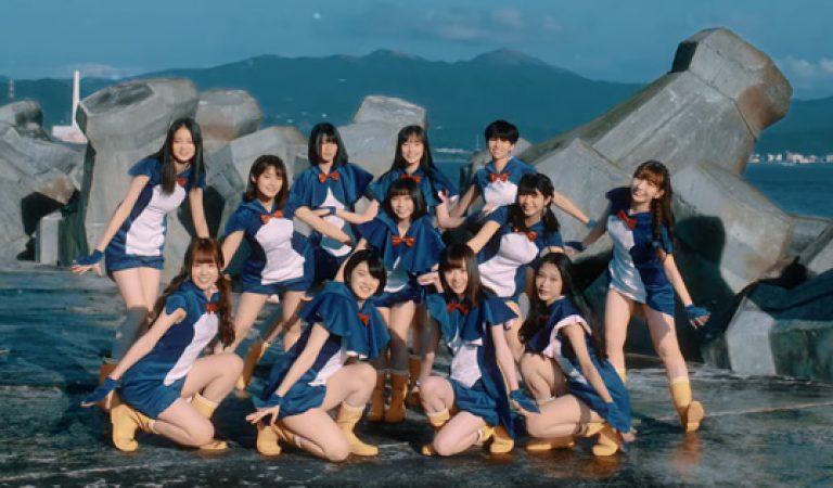 ชม: AKB48 Team TP's Hashire! เพนกวิน MV